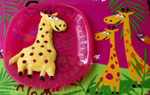 Giraffe mango and yogurt mousse dessert for kids