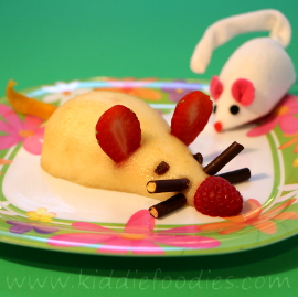 Pear mouse dessert for kids