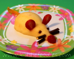 Pear mouse dessert for kids step2