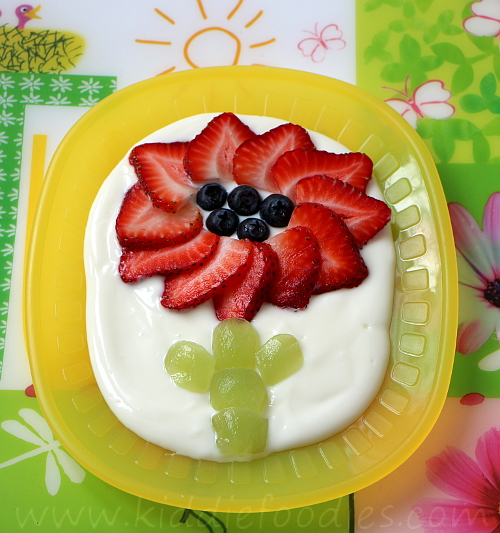 Strawberry flower dessert for kids