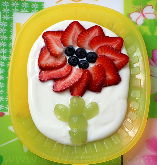 Strawberry flower dessert for kids step3
