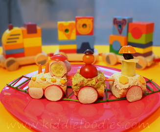 Happy train sandwich for kids