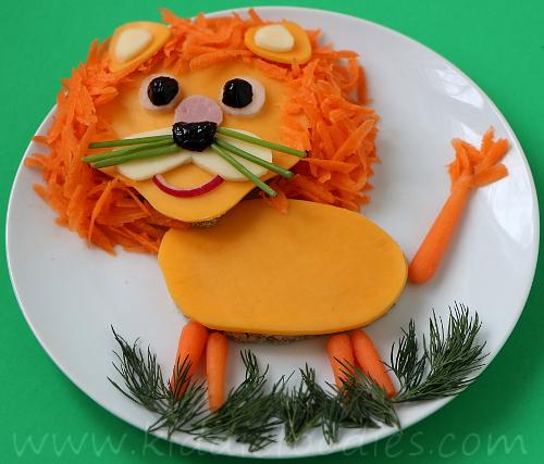 Lion King shaped sandwich for kids
