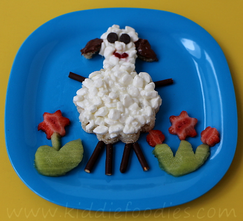 Sheep shaped sandwich for kids' healthy breakfast