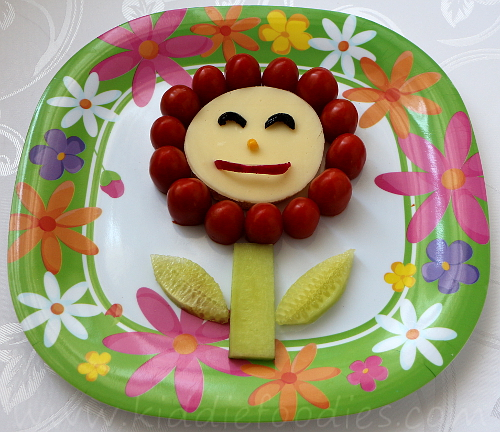 Tomato cheese flower sandwich for kids