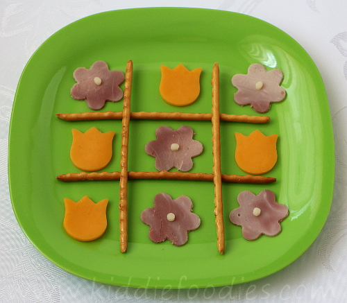 Tic Tac Toe snack for kids step2