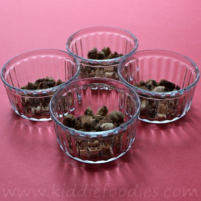 No bake mini cheesecake dessert with jelly stars step1