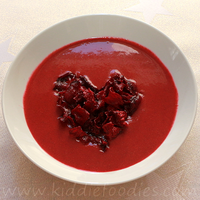 Red velvet beetroot soup with homemade beets chips step3