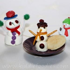 Snowman mozzarella snack for kids