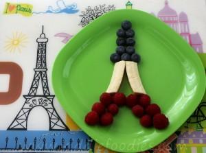 Edible Eiffel Tour - cute dessert made of fresh fruits