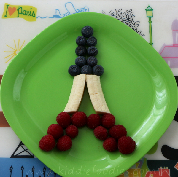 Edible Eiffel Tower - cute dessert made of fresh fruits step1