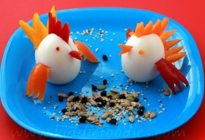 Little chicks healthy snack for kids made of egg and pepper step2