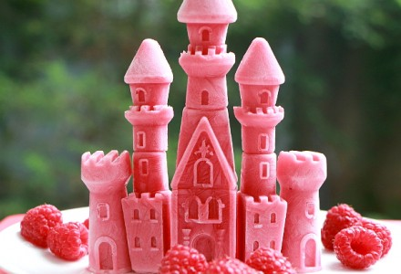 Princess castle - frozen raspberries and yogurt