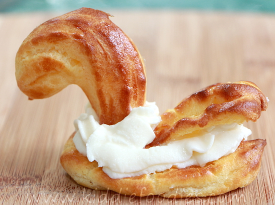 Swan - chouquette pastry with ricotta  step3b
