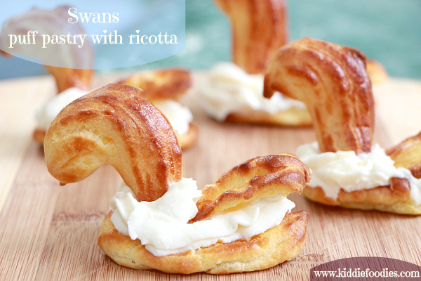 Swan - puff pastry with ricotta dessert