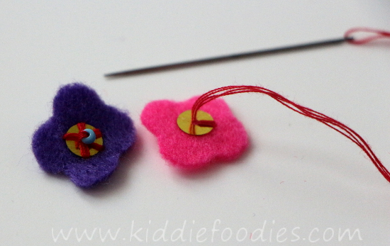 DIY felt necklace for toddlers step3