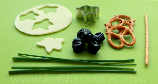 Halloween witch and ghost snack step1