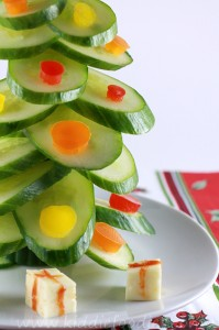 Christmas tree vegan snack for kids made of cucumber step4a