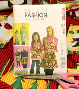 Easy to sew mom and daughter matching apron McCall'sM5720 step1