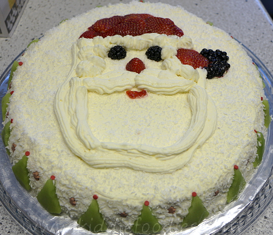 Santa Claus Cake, Christmas Cake Decoration Ideas Step3