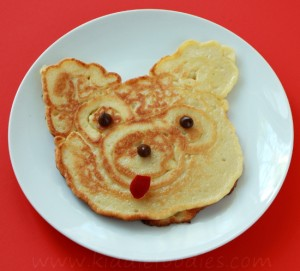 Teddy bear - homemade pancakes with apples step4a