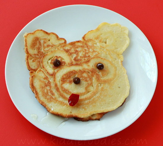 Teddy bear - homemade pancakes with apples step4b