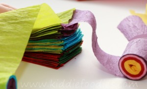 Christmas crafts for kids - how to make your own Christmas tree chain garland from crepe paper step3b