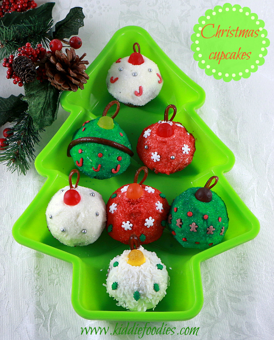 christmas cupcakes christmas balls mini cupcakes decoration ideas in christmas tree shape1