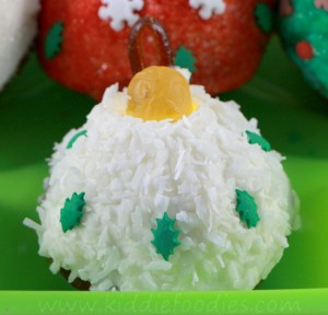 Christmas cupcakes - Christmas balls mini-cupcakes decoration ideas step5d