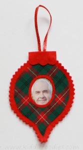 Felt Christmas personalized photo ornaments Butterick B4369 step3d