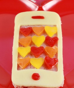 Call me Valentine, Iphone shaped sandwich, Valentine lunch idea for kids step2a