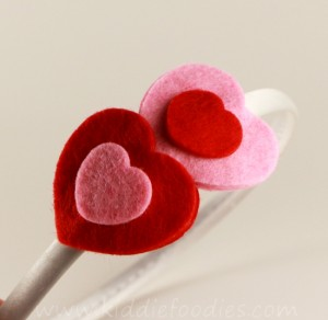 Easy felt hearts headband tutorial step3b
