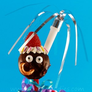 Party pops, homemade cake pops recipe without cake mix, great for kids party Step6b