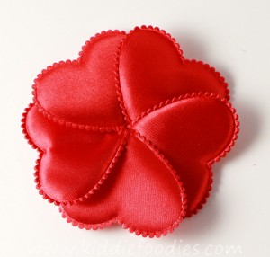 How to make red heart flower headband for st Valentine Day - tutorial step1