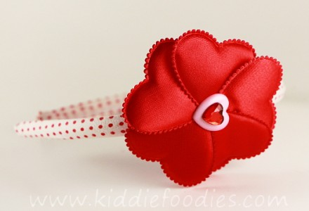 How to make red heart flower headband for st Valentine Day - tutorial step3c