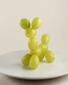 Grape balloon dog step2b