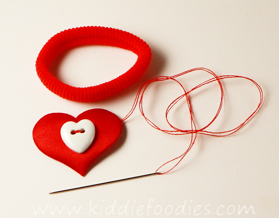 How to make heart hair ties for Valentine's Day - tutorial step2