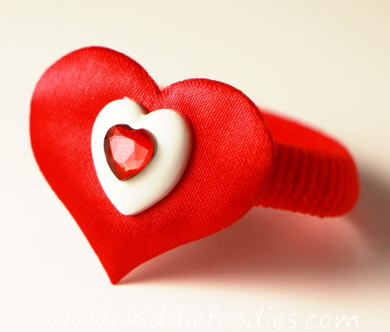 How to make heart hair ties for Valentine's Day - tutorial step3b