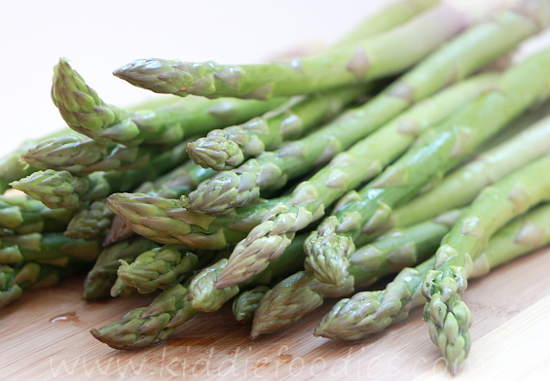 Cream of asparagus soup - easy recipe step1