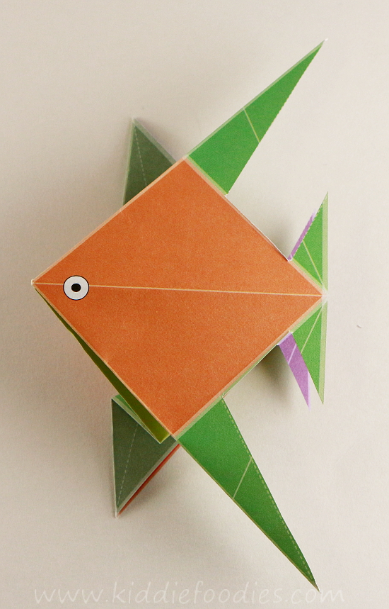 Simple origami for kids - how to make a paper fish tutorial step4c
