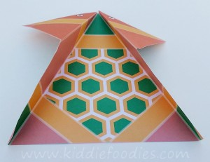 Simple origami for kids - how to make a paper turtle tutorial step2
