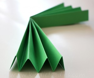 Christmas Tree craft for kids - step1